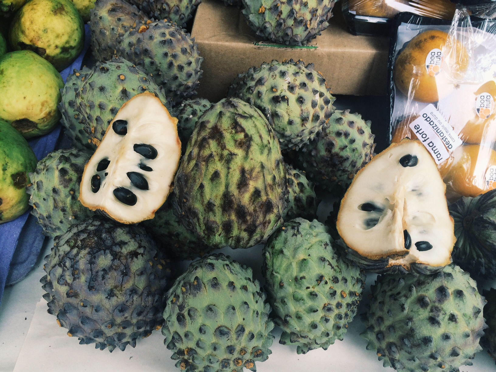 The Exotic Tropical Fruit Markets of Rio de Janeiro ...